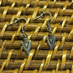 Jewelry - Handmade Jewelry 2/$15! Silver Arrow Earrings!